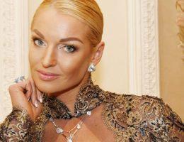 Семейные страсти Анастасии Волочковой или почему у балерины испортились отношения с родной матерью?