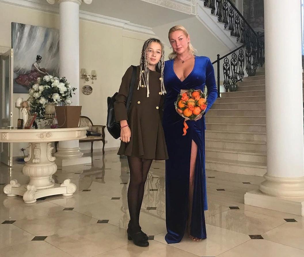 Дочь Анастасии Волочковой превратилась в вульгарную девушку