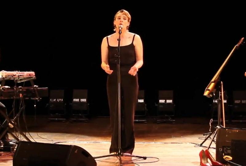 Певица погибла во время выступления
