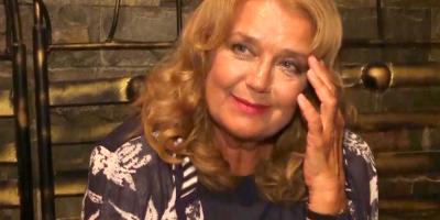 Ирина Алферова вышла на публику в инвалидной коляске