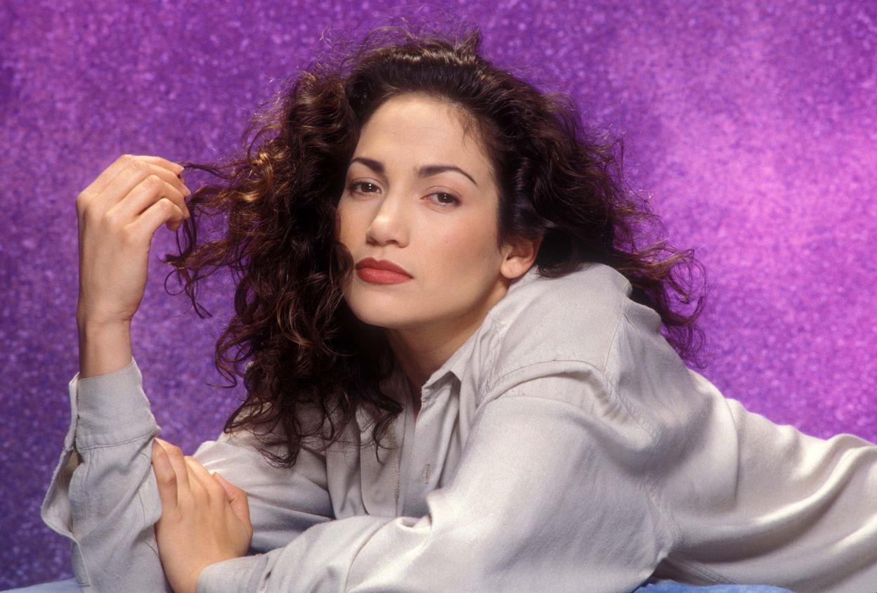 Дженнифер Лопес: как менялся бьюти-образ певицы в течение двадцати лет