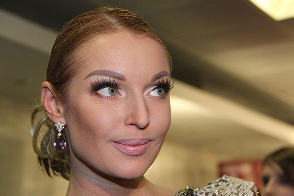 6 российских знаменитостей, которые выглядят старомодно