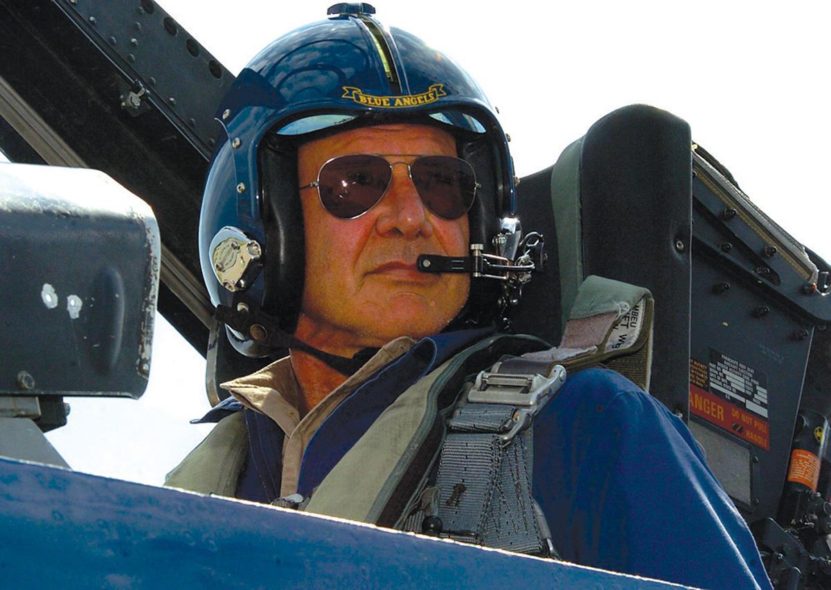 Топ-5 звезд, которые имеют во владении вертолет