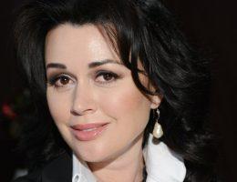 Звезды шоу-бизнеса поддержали Анастасию Заворотнюк, состояние которой расценивается как крайне тяжелое