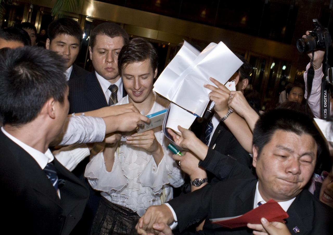 Как складывается карьера Витаса в Китае и почему он переехал именно туда?