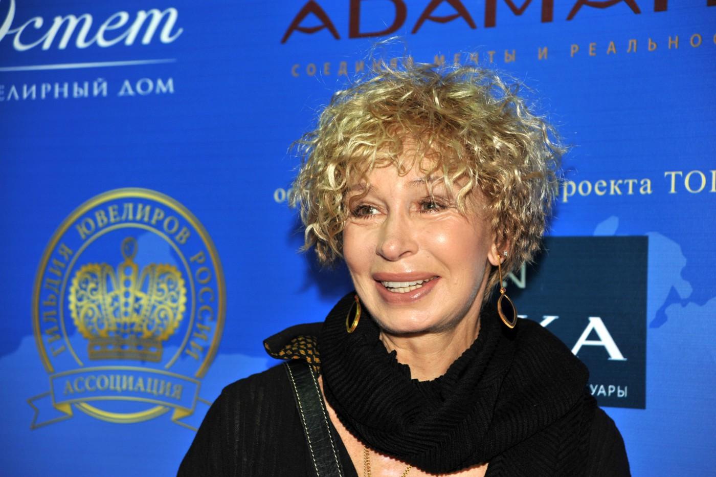 Кто бы мог подумать, что некоторые знаменитости в детстве страдали от смешных кличек. Кто из российских звезд сменил обидное прозвище на интересный псевдоним?