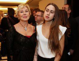 Любовь Успенская отказалась зарабатывать на скандале со своей дочерью