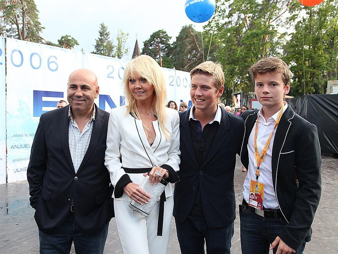 Певица Валерия заявила, что не дает своим детям ни рубля