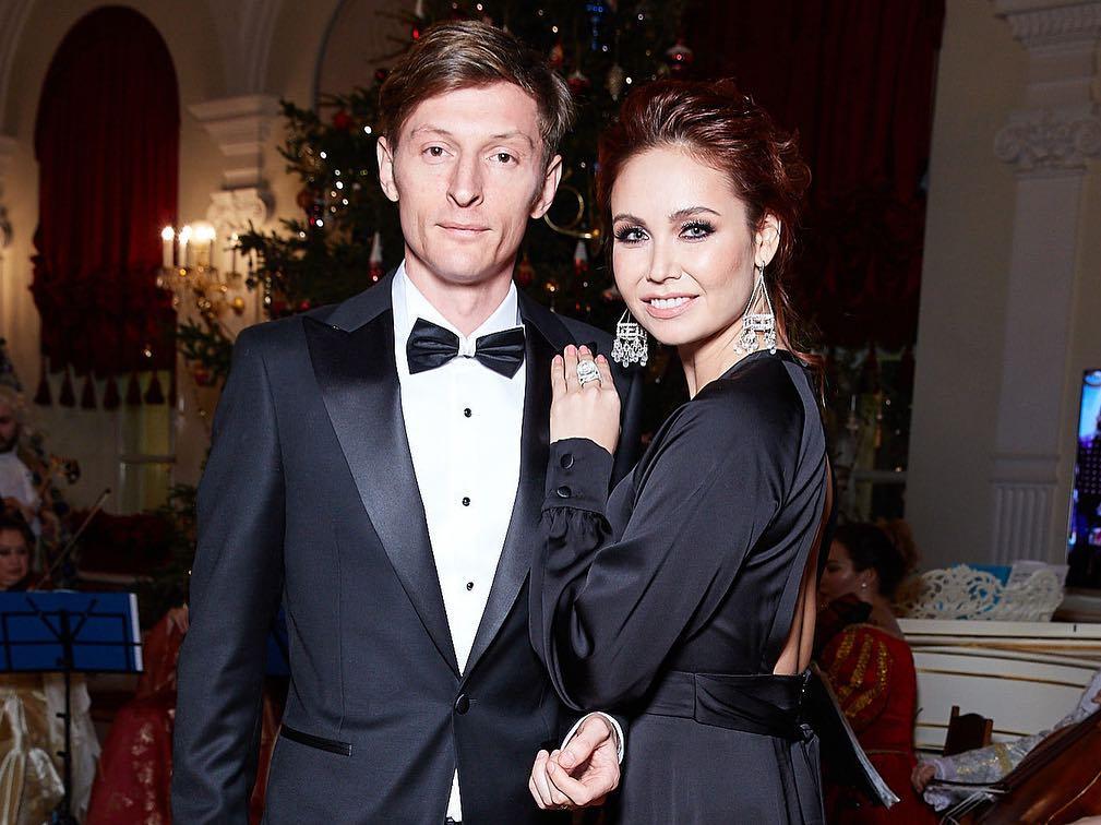 Ляйсан Утяшева поделилась секретами крепкого брака с юмористом Павлом Волей