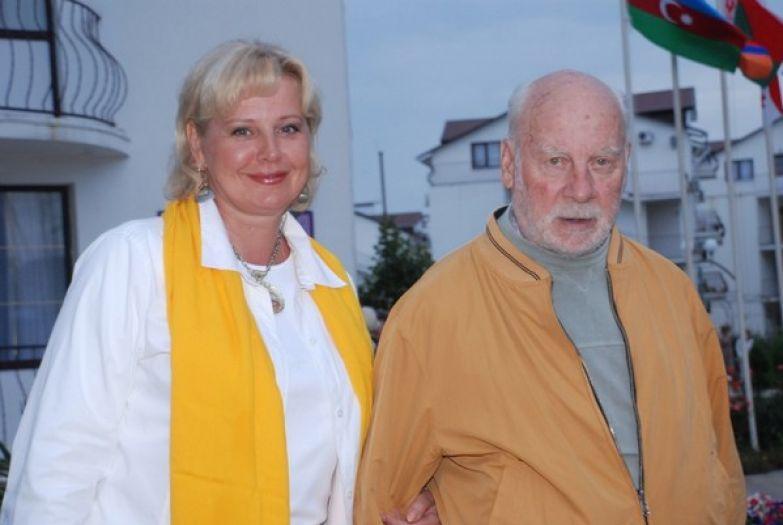Актриса Татьяна Ташкова призналась, что голодали со своим супругом и даже варили мыло из крапивы