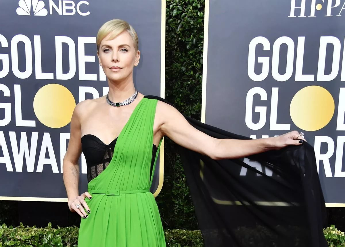 Самые неудачные образы звезд на премии «Золотой глобус-2020»