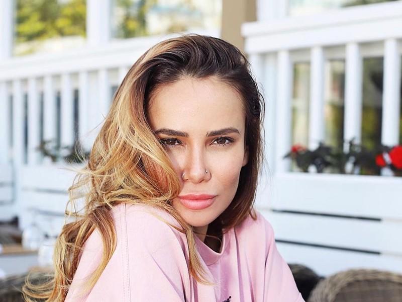 5 российских успешных женщин, которые прославились благодаря своим мужьям