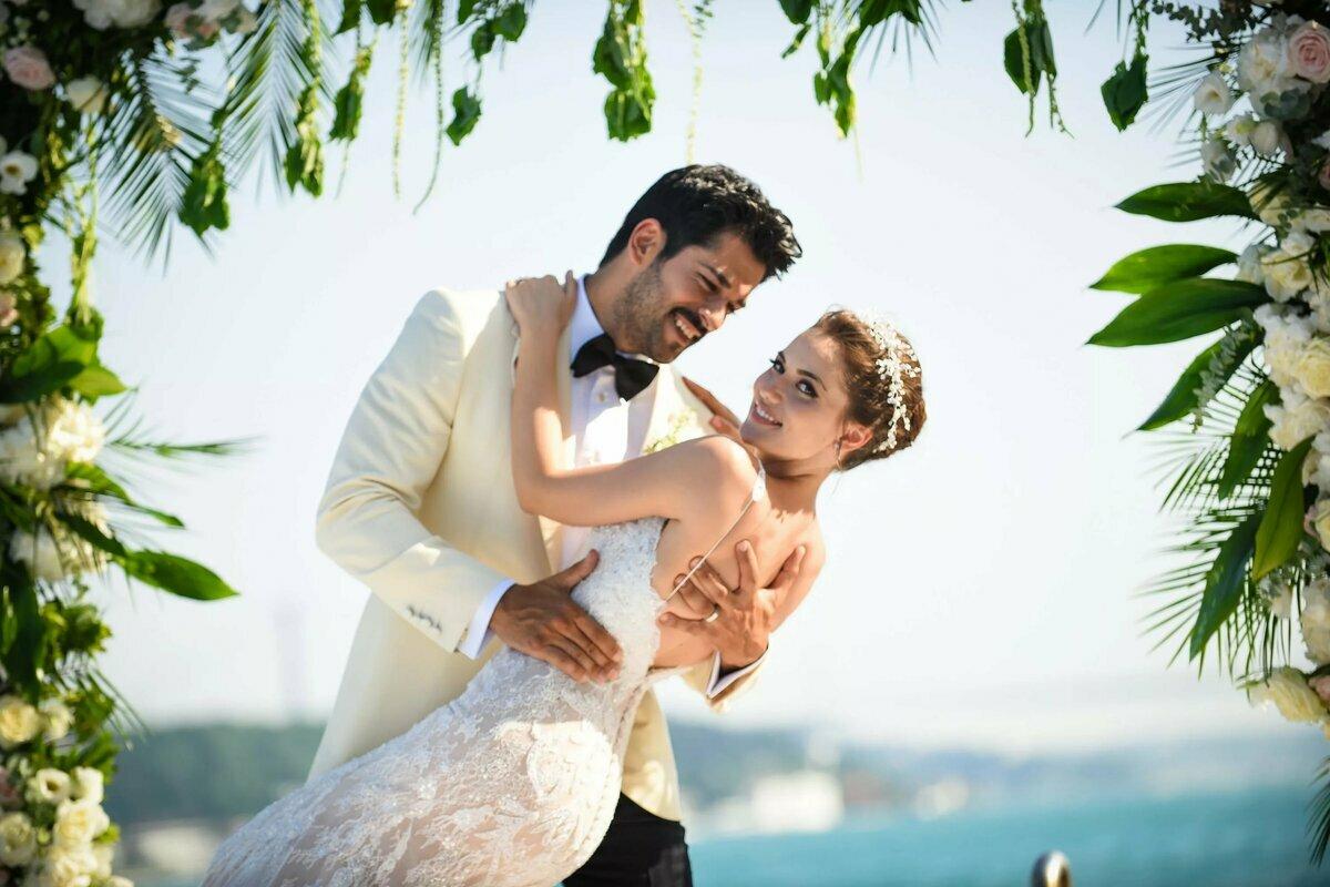 Свадебные образы звезд сериала «Великолепный век»