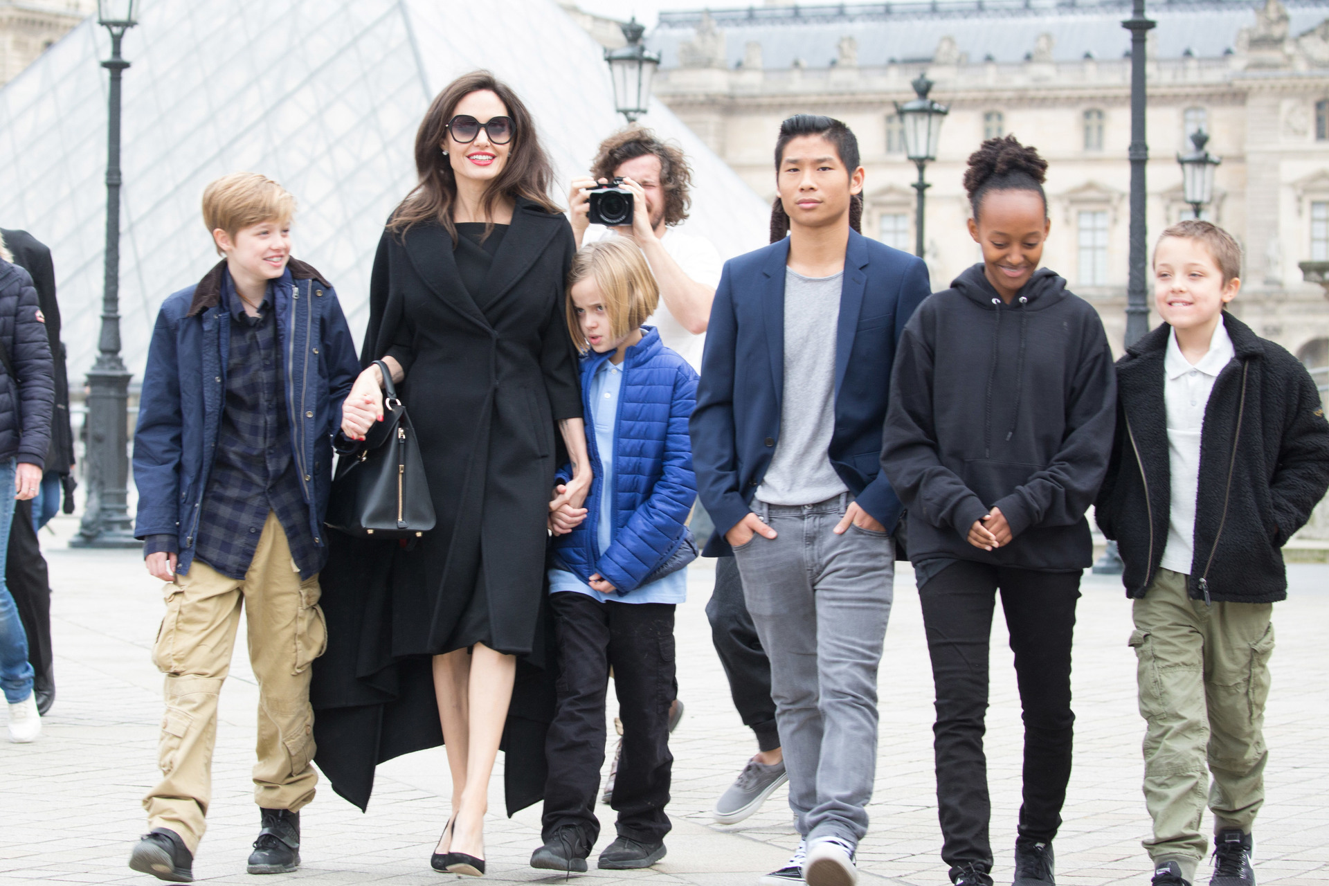 На что Анджелина Джоли тратит свое многомиллионное состояние