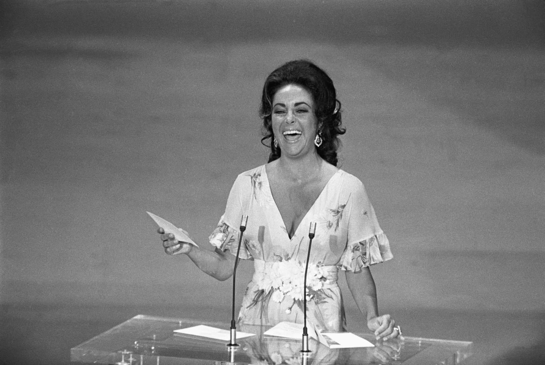 Элизабет Тейлор, 1974 год