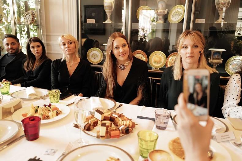Как прошел визит Мерьем Узерли в Москве и какие образы актриса выбрала для России?