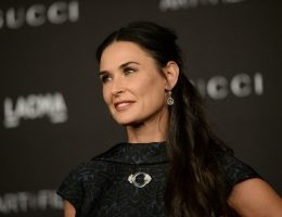 Нестареющая Деми: секреты красоты и молодости от знаменитой актрисы Голливуда